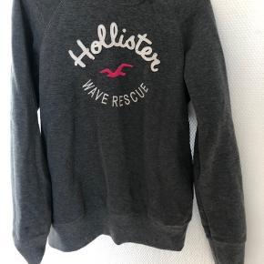 Sælger denne Hollister sweater.