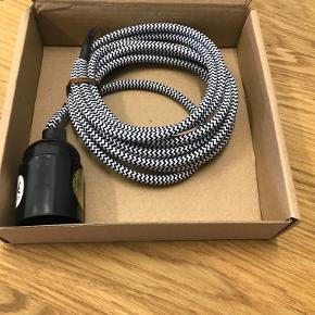 NORDIC TALES - E27 ledning sort/hvid