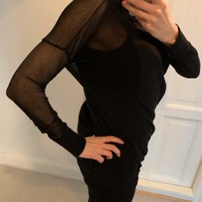 Super lækker trøje fra Pernille Feilberg / transparente ærmer