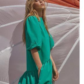 Love & Divine kjole