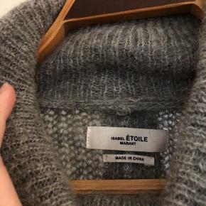 Smukkeste og dejligste sweater fra Osabel Marant af mohair. Perfekt til vinteren.