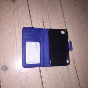 Pris kan godt forhandles 😄 Cover til Iphone 4 Brugt rimelig meget og derfor er coveret lidt slidt. Sælger da jeg har fået ny telefon Skriv endelig for mere info :)