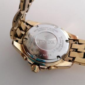 Fedt ur som ikke kan købes i butik mere ny pris er 2300kr Det skal have skiftes batteri koster 170, tager 3 dage da det skal ind og åbnes og lukkes rigtig for at sikre vandtætheden kan godt gøres inden evt salg
