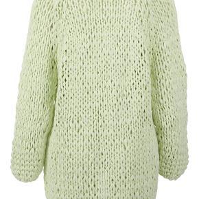 Flot knitted cardigan, aldrig brugt, stadig mef mærke Køber betaler ts gebyr