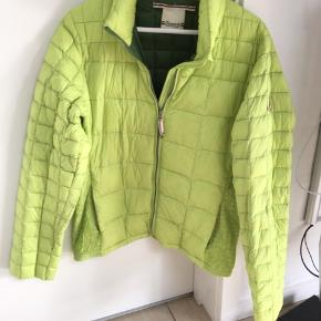 Limegrøn jakke