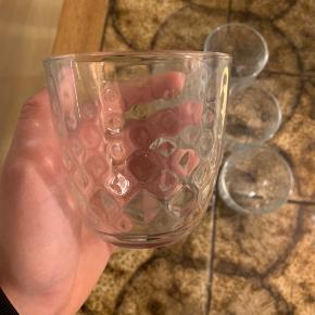 6 x fine krystalglas sælges. Brugt én gang og sælges grundet flytning.