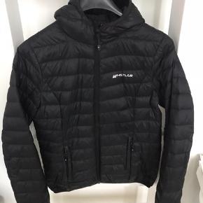 Whistler jakke  80%dun 20% fjer  Brugt, men uden skræmmer eller mærker  Perfekt til overgangs season.