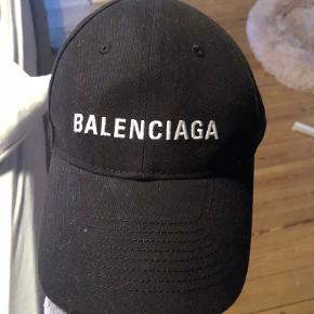 Balenciaga kasket