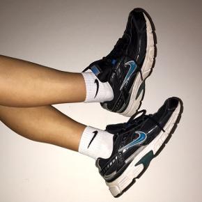 Unikke vintage sko fra Nike i modellen Initiator.  Str 41.