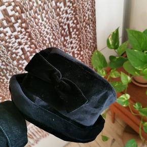 Mega flot vintage velour hat