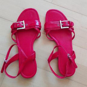Varetype: Sandaler Farve: Rød