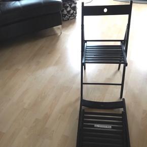"""2 IKEA """"Terje"""" Klapstole i perfekt stand.Købt som ekstra stole, men aldrig brugt."""