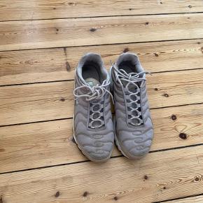 Nike TN, har stået i lang tid og sælges derfor. Fin nok stand men tegn på brug :).