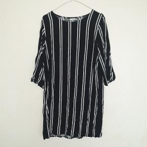 Lækker kjole fra Jacqueline de Yong