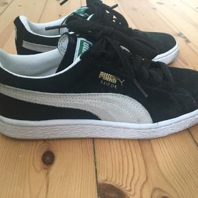 Puma classic suede sko. Brugt meget få gange og fremstår næsten som nye 💫