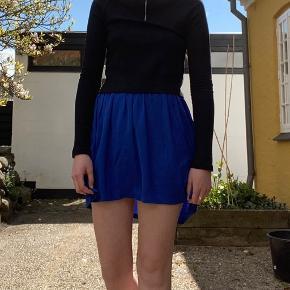 Der er nogle snore på nederdelen, som er løbet (se billede 3)