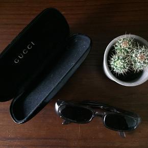 Vintage solbriller fra Gucci sælges ved det rette bud ✨