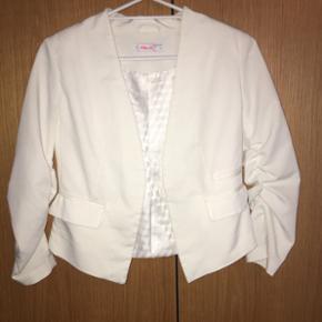 Hvid blazer, købt i New Yorker🌸