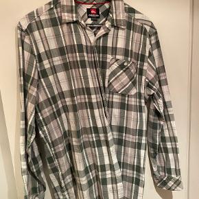 Quicksilver skjorte