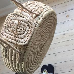 Helt ny unik flet-taske fra Lagos, Nigeria. Købt sidste sommer, aldrig brugt.