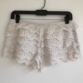 ⭐️ Super fine blonde shorts fra H&M ⭐️ Brugte, men ikke slidte - sælges derfor billigt