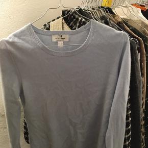 Brugt en enkelt gang. Dejlig cashmere sweater 😇 BYD