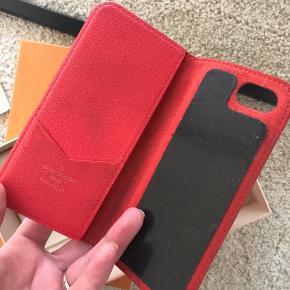 iPhone cover passer til iPhone 8 eller andre modeller i samme størrelse. Har æske, dustbag og kvittering