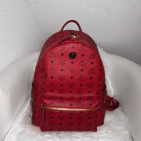 Mcm Studded Large Stark Backpack  Cond 9/10 Np 890$ Mp 4.500 kr.  Dustbag medfølger