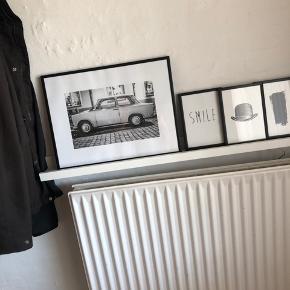 4 rammer med billeder fra desenio Sælges samlet for 75 kan sendes 1 stk 30 x 40 3 stk 10 x 15