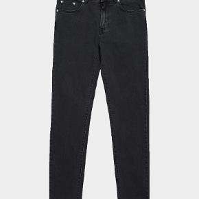 """Won Hundred """"Dean"""", Charcoal/vasket sort, brugt 1 gang, størrelse 29/32, stretch, fejlkøb (for store til mig - 1.80 høj og 72kg)"""