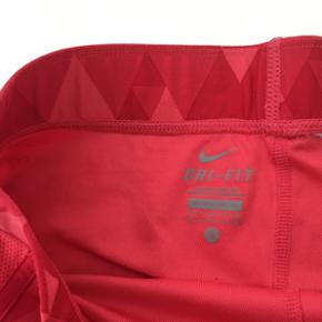 Nike shorts Størrelse Small, Fejler intet