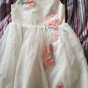 Ny Hm kjole str 110