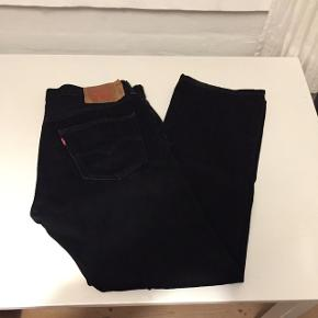 Sorte Levi's jeans, klassisk model 501 W36 L32. Meget flot sort - brugt få gange.
