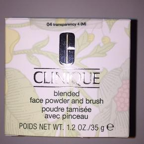Clinique Blended Face Powder/Brush Transparency 4