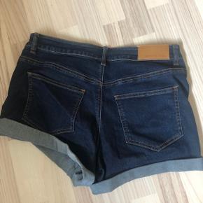 Noisy May shorts  Brugt 1 gang Str L 130 kr Inkl fragt