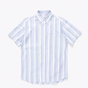 Herreskjorte - kan bruges oversize til kvinder. Lavet i japansk bomuld. Mærket er PAA New York. Sendes med DAO eller hentes på Nørrebro :-)