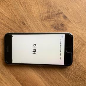 IPhone 6s 16gb sælges unden noget tilbehør Den holder ikke strøm så længe  Skærm er sluppet lidt    BYD BYD   BYD