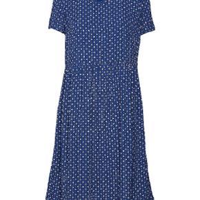 Super fin kjole fra Noa Noa, brugt et par gange.Nypris 700 Kr.  Køber betaler fragt.  Handler over mobilepay.