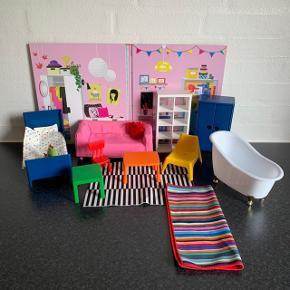 Ikea dukkemøbler. Kan bruges til Barbie. Fin stand. Kan sendes for 53 kr.