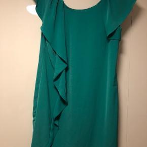 Kjole fra vila i grøn farve aldrig brugt