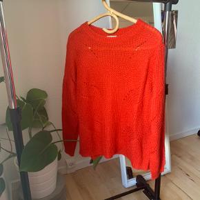 Fin rød sweater 🌸