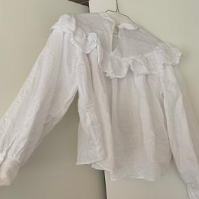 Super fin trøje fra ZARA, jeg har dog aldrig fået den brugt, derfor fejler den ingenting 💗