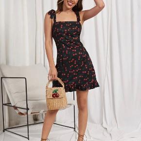 Shein kjole