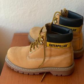 Caterpillar shoes, size 38, used only a few times. Original price: 900,-