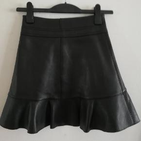 Helt ny læder nederdel fra maje med price tag  #30dayssellout