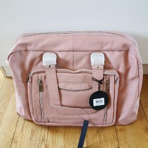 Helt ny Nunoo Camilla taske i lyserød læder sælges