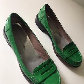 Smuk lak sko fra Marc by Marc  Super fin stand - kun slid på undermålerne.