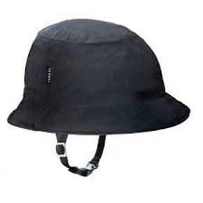 Yakkay sort hjelm skal + Tokyo black rain cover Model: Smart2 in Mold Str.: L (55-59 cm)  Cykelhjelmen kan bruges med og uden cover, og man kan sætte et nyt cover på.  Hjelmen er str. L og kan justeres i nakken. Næsten som ny, brugt ganske få gange  Sælges kun samlet Nypris: 890 Kr.