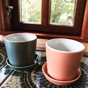 2 stk porcelæns krukker fra Anne Black, prisen er pr stk.