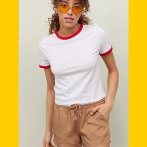 Conscious shorts med lommer foran og bånd og elastik i livet.  🌼Bytter ikke🌼 🌸Kan afhentes eller sendes igennem Trendsales på købers regning🌸
